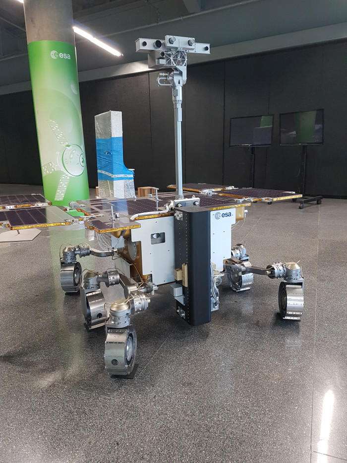 Exomars Rover 1:1 space model